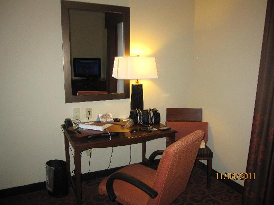 Hampton Inn Matamoras: Desk (free wi-fi included)