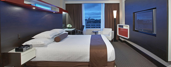 ‪‪Hyatt Regency Toronto‬: Hyatt Regency King room: stylish, modern & comfortable‬
