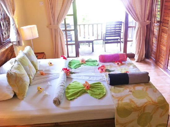 Cote d'Or Chalets: The sheets on the bed were military tight