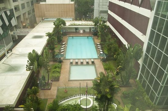 Federal Hotel: View of the pool from our room