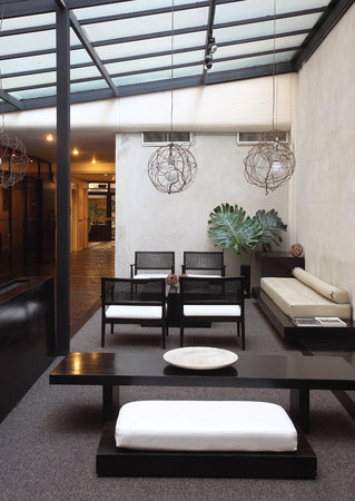 Arroyo Towers: Lobby