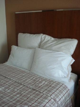 Four Points by Sheraton San Antonio Northwest: bed