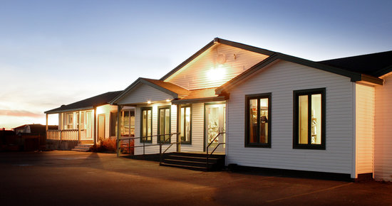 Shallow Bay Motel &amp; Cabins: Shallow Bay Motel, Gros Morne National Park.