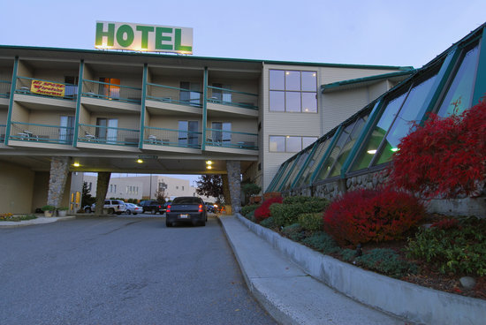 Photo of Cedars Inn Hotel East Wenatchee