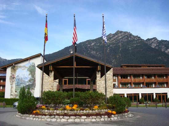 Edelweiss lodge and resort for Designhotel garmisch