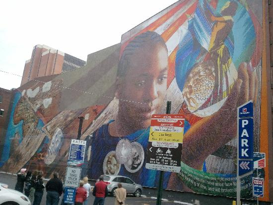 Progress of women picture of mural arts program of for Mural tour philadelphia map