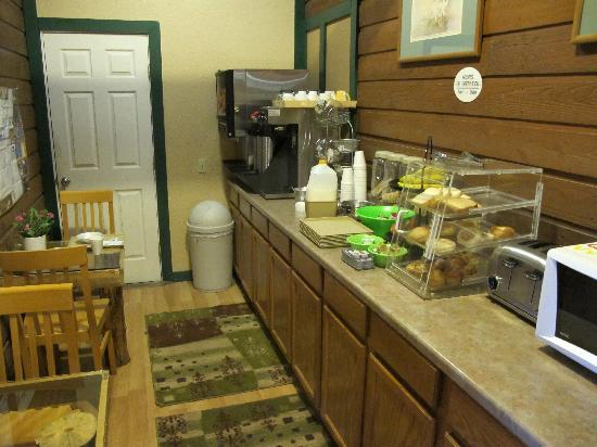 Alpine Inn: the breakfast counter