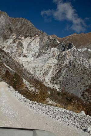 Marble tour carrara