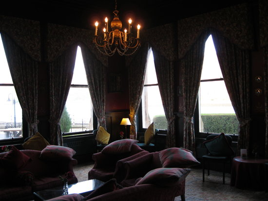 Ballachulish Hotel: The Lounge