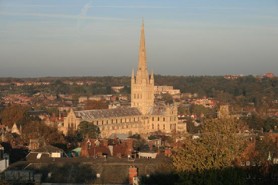 Premier Inn Norwich City Centre - Duke Street: Norwich Cathedral from the Castle
