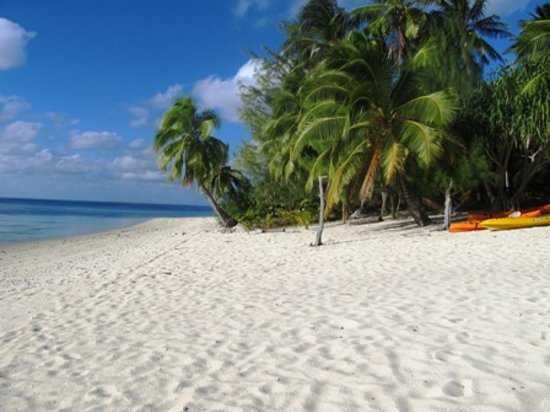 Aitutaki Beach Villas: The beach front
