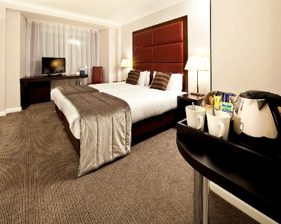 Mercure London Kensington: Executive King bedroom