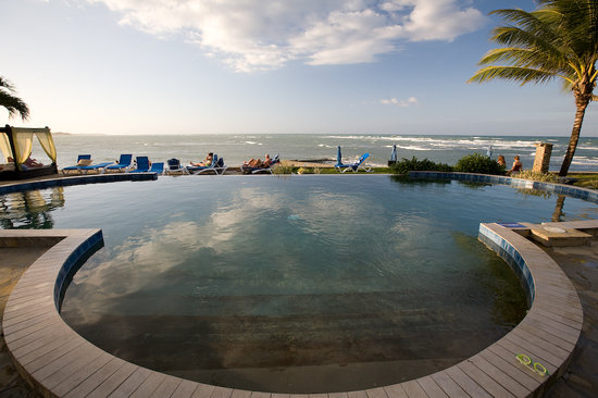 Velero Beach Resort: Infinity pool