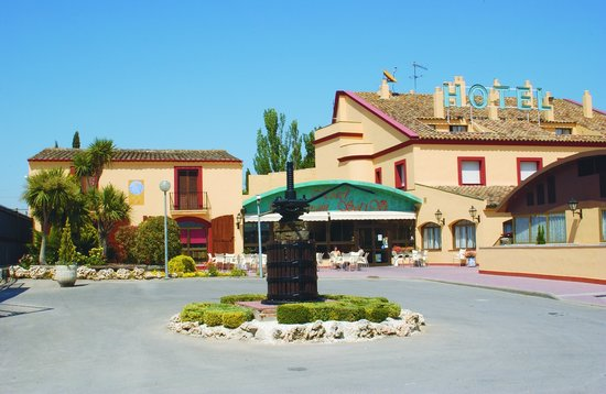 Photo of Hotel Restaurante Sol i Vi Lavern