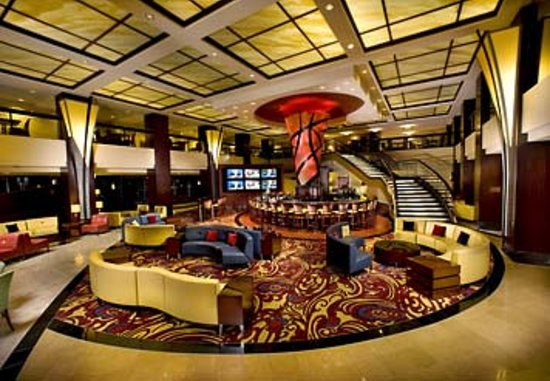 Marriott Chicago Downtown Magnificent Mile: Our lobby has been transformed with you in mind. Handle your business or unwind in any of our zo