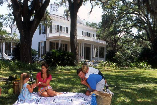 Tallahassee, Floride : Picnic at Goodwood, one of the finest antebellum plantations and gardens.