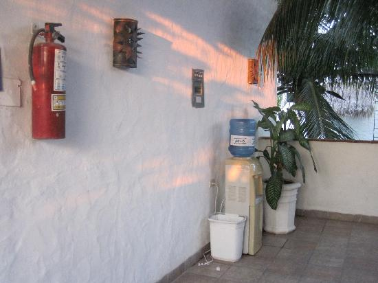 Villas Maria Fernanda: Water Bottle stations on the floors and also in the villa