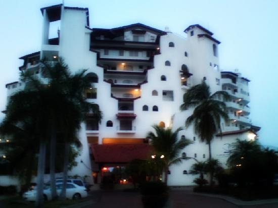 Vamar Vallarta All Inclusive Marina and Beach Resort: entrada al hotel