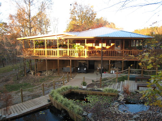 ‪The Lodge At Tellico‬