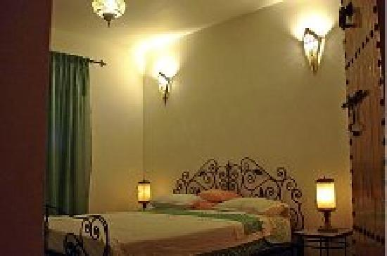 Dar Al Andaloussiya Diyafa: the comfort of the rooms and decor both kitsch and refined