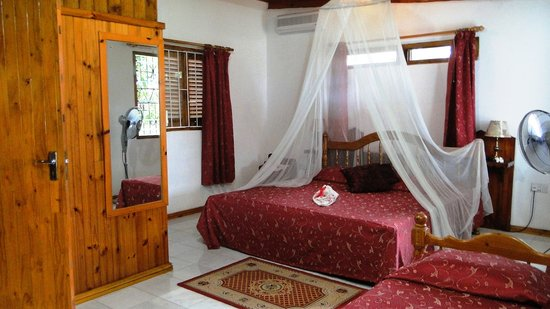 Amitie Chalets Praslin