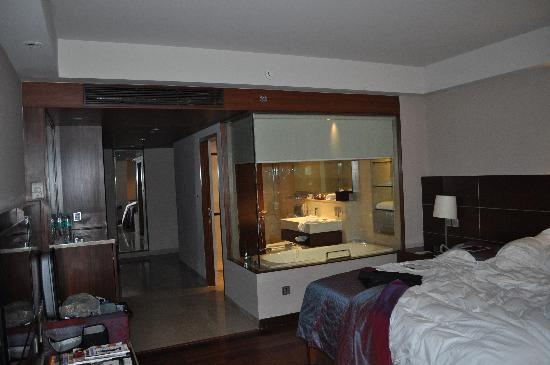 Standard Deluxe Room Picture Of The Lalit New Delhi New