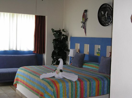 Ixchel Beach Hotel: Bedroom