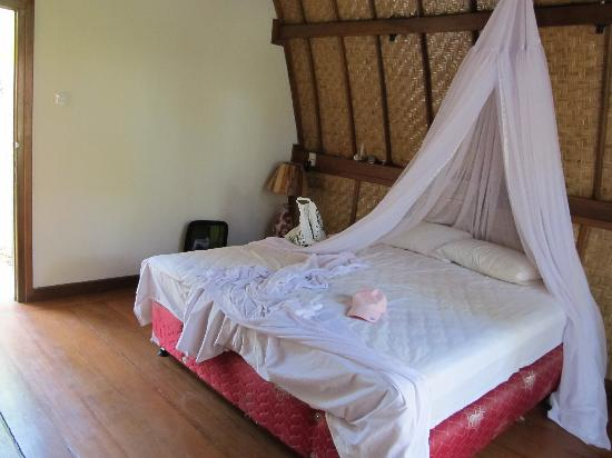 Island View Bungalows: bedroom