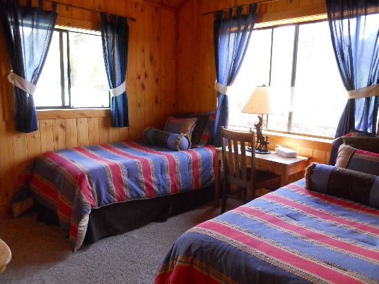 Elk Mountain Ranch: Clean and comfortable cabins