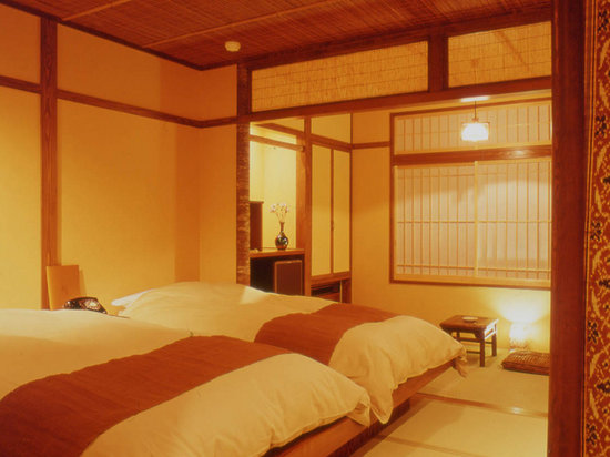 Shima Onsen Kashiwaya Ryokan: Japanese twin