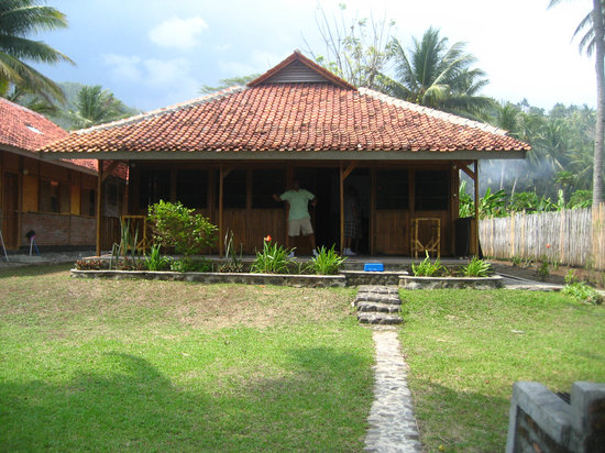 Pelabuhan Ratu, Indonesia: Backview of Bungalow