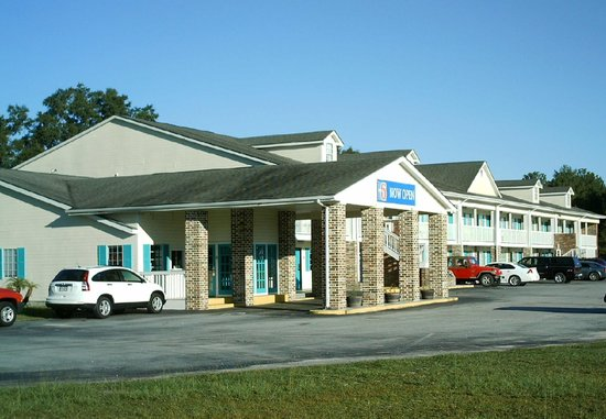 Motel 6 Lake Park