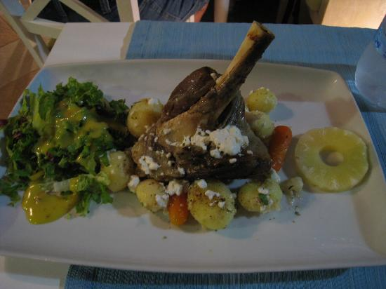 Firostefani, Greece: Baked Lamb