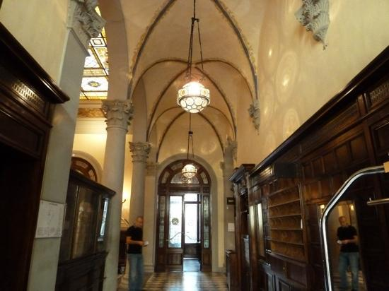 Outside of hotel picture of nh collection firenze porta - Porta rossa hotel florence ...
