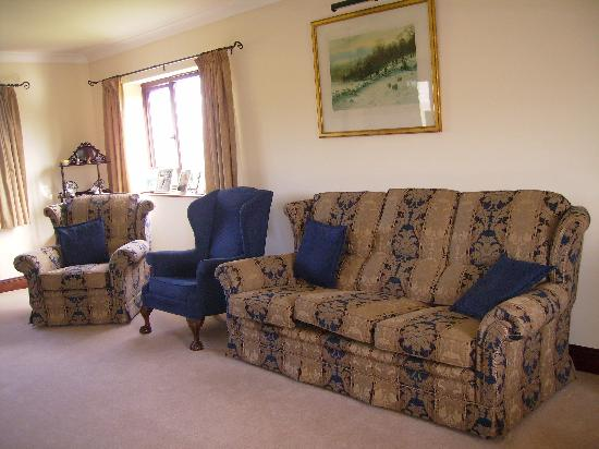 Highfield Bed and Breakfast: lounge