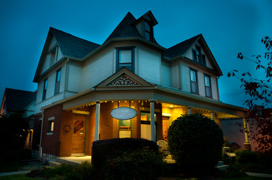 Photo of Nestle Inn Bed and Breakfast Indianapolis