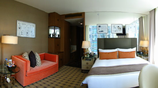 Loden Hotel: the room