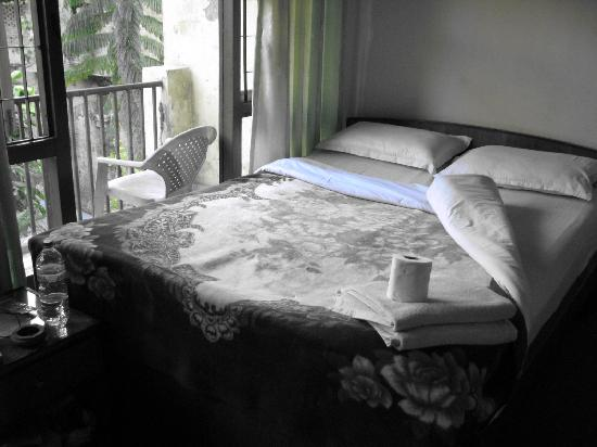 Pilgrims Guest House: The smaller room
