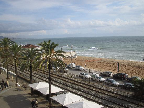 Hotel Miramar Badalona: View from balcony of Room 336.