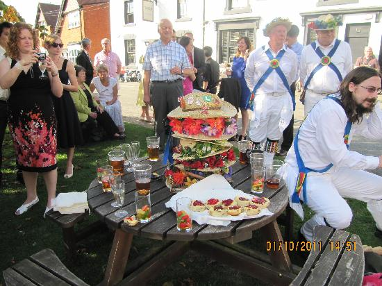 Tanworth in Arden, UK: Village entertainment
