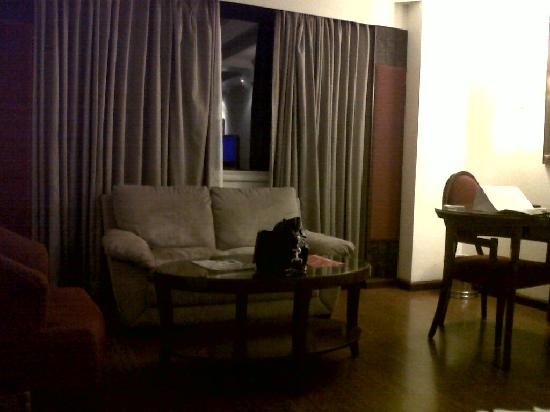 Quality Inn Sabari: living room