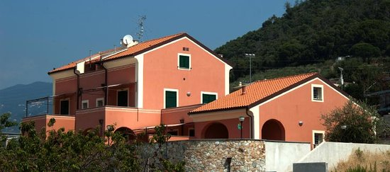 Residence Corte Del Sole: NUOVO A PIETRA LIGURE