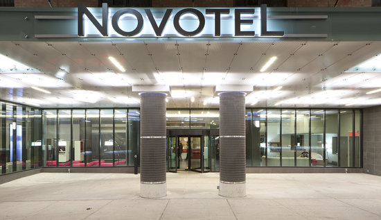 Novotel Ottawa: Main Entrance