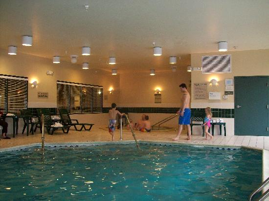 Country Inn &amp; Suites Schaumburg: The pool.