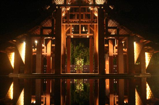 Phulay Bay, A Ritz Carlton Reserve: Reception with 3000 candles