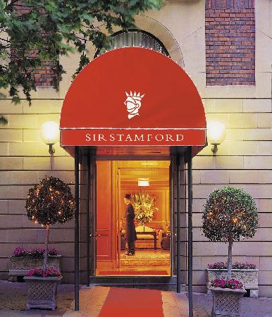Sir Stamford at Circular Quay Hotel Sydney: Entrance