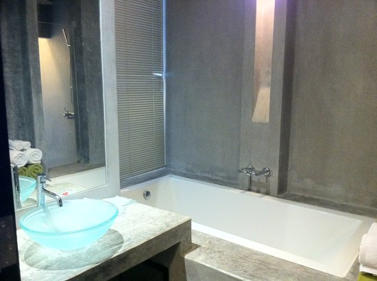 Sugar Palm Grand, Hillside : bathtub