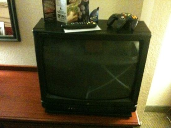 Comfort Suites at the World Golf Village: outdated tv