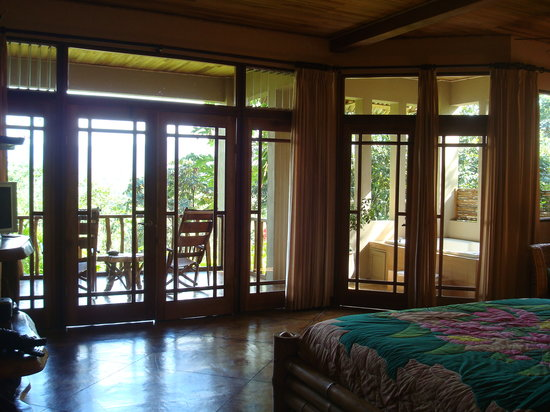 Lost Iguana Resort & Spa: inside the room