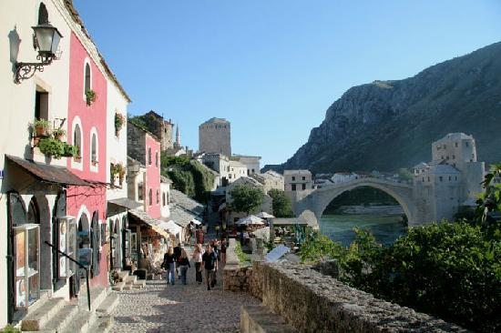 Bosnia y Herzegovina: Old Bridge Mostar - UNESCO heritage